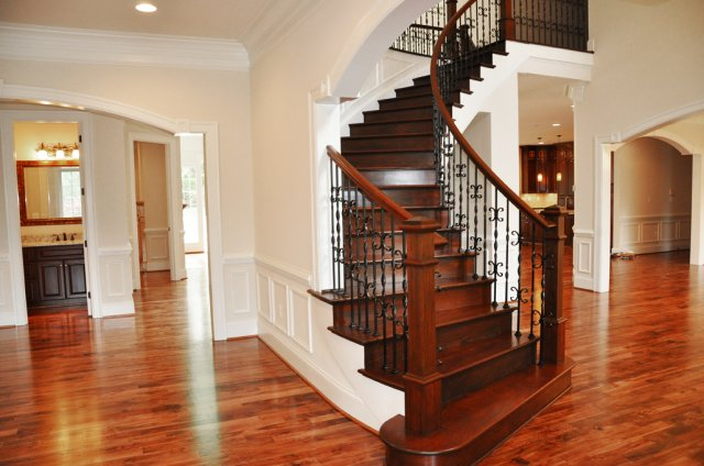 phoca_thumb_l_front_foyer_at_stairs_web